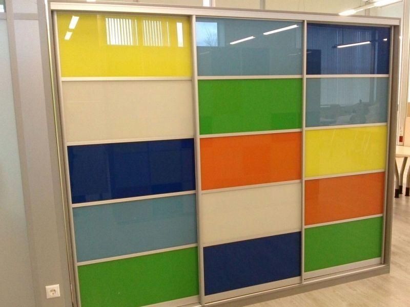 Фасады из цветного стекла