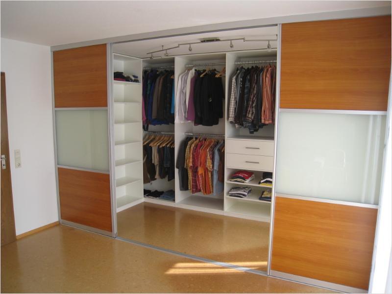 корпусный гардероб